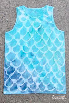 Mermaid Scales Tie Dye Shirt DIY: Tie Dye Your Summer! to tie dye shirts pattern Tye And Dye, How To Tie Dye, How To Dye Fabric, Tye Dye, Dyeing Fabric, Tie Die Shirts, Diy Tie Dye Shirts, Diy Tie Dye Tank Top, Mermaid Diy