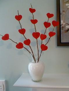 cute way to add valentines day decor || would look great on mantel!