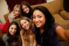 Ashley Benson, Lucy Hale, Troian Bellisario, Sasha Pierce, Shay Mitchell. #PLLchat season 5 Summer Finale.
