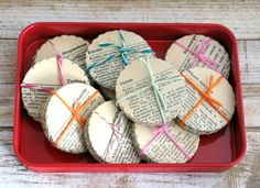 50 x Vintage Dictionary Paper Scallops by thejellybeanstudio
