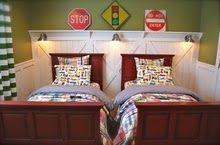 Love this boys' room!!