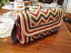 Bolso cartera Crochet Clutch Bags, Crochet Tote, Crochet Socks, Crochet Handbags, Crochet Purses, Crochet Crafts, Crochet Stitches, Crochet Baby, Knit Crochet