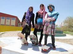 Afghan skater girls - Another thing you don't see everyday. These 3 Afghanistan girls have skateboards as a way of getting to the places they want to go, while also having some fun. Writing With Color, Afghan Girl, Girl Empowerment, Tough As Nails, Skateboard Girl, Skater Girls, Tomboys, Human Emotions, Girl Gang