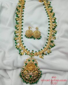 Grand One Gram Gold Necklace From Versatile Bangles ~ South India Jewels Emerald Jewelry, Silver Jewelry, Silver Rings, 925 Silver, Art Nouveau Jewelry, Jewelry Art, Jewellery, Pearl Chain, Pearl Beads