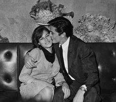 Alain DELON et sa première femme, Nathalie DELON, également actrice, avec qui il aura un fils également acteur, Anthony.