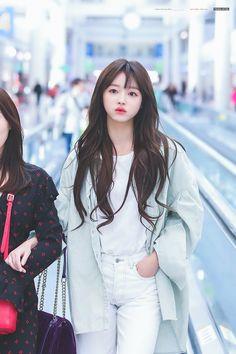 Korean Beauty Girls, Korean Girl, Asian Beauty, Pretty Asian, Beautiful Asian Girls, Kpop Girl Groups, Kpop Girls, Girl Pictures, Girl Photos