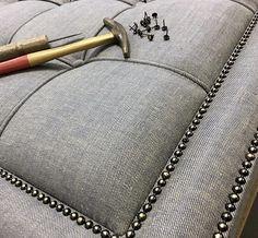 Bed Headboard Design, Bed Frame Design, Headboards For Beds, Bed Design, Reupholster Furniture, Couch Furniture, Bed Hardware, Diy Furniture Decor, Classic House Design