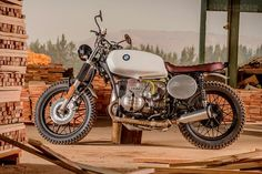 1979 BMW Custom Part-time builder Louis Nel builds custom motorcycles out of his South African garage; this 1979 BMW is one of them. Honda Cx500, Scrambler Motorcycle, Bmw Motorcycles, Vintage Motorcycles, Custom Motorcycles, Custom Bikes, Bobber Bikes, Honda Cb, Custom Bmw