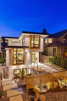 La casa si chiama Midori Uchi, che letteralmente significa una casa verde. Ma ciò che rende questa casa particolare è la sua capacità di risparmio energetico, produce più energia di quanto le serve. Una casa sostenibile. Questa casa è situata in Giappone.