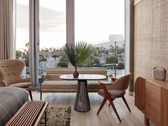 Kelly Wearstler transforms a Spanish Colonial Revival into the Santa Monica Proper Hotel - AN Interior Kelly Wearstler, Santa Monica California, California Cool, Hotel California, Bauhaus, Contemporary Building, Art Deco Buildings, Modern Buildings, Spanish Colonial