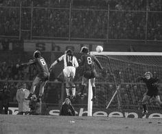 Johan-Cruyff-v-Sepp-Maier-1973