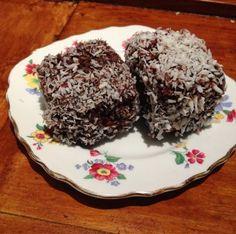 su's baking : lamingtons