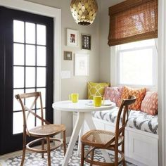 Coziest little breakfast nook! For all our #smallspace dwellers, this can easily act as a chic & functional #diningroom.