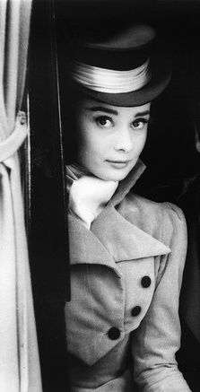 """""""Nothing is impossible, the word itself says 'I'm possible'!"""" Audrey Hepburn (05/04/29) #happybirthday"""