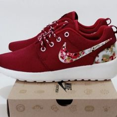 Nike Shoes - Nike roshe run floral red women