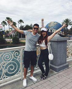 Disney Universal Studios, Universal Orlando, Disneyland, Disney Usa, Miami Orlando, Studio Poses, Orlando Travel, Senior Trip, Cute Couple Pictures