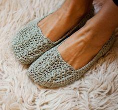 Ladies Cable Slippers by mon petit violon, via Flickr