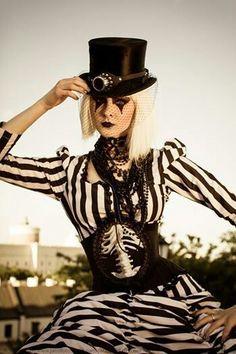 Gothic/Dark CIrcus/Steampunk fashion. Stripes!