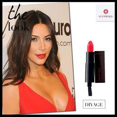 Copia el maquillaje de Kim Kardashian, ¡Los labios rojos siempre son un acierto! Consigue productos de maquillaje increíbles y una asesoría de primera en Divage. #CCSiamMall #Makeup  Get Kim Kardashian's make up, Red lips are always right! Get incredible makeup products at Divage #CCSiamMall #Makeup