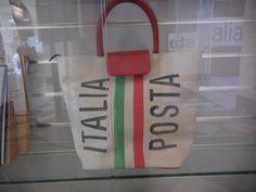 イタリア郵政のオリジナルバッグ €200位だったような…