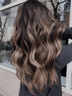 Brown Blonde Hair, Hair Color For Black Hair, Brown Hair Colors, Sandy Blonde, Brown Hair With Blonde Highlights, Fall Hair Colors, Hair Colours, Brown Beach Hair, Brown Balyage