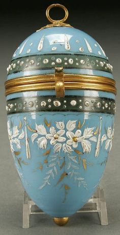 1376: A GOOD BOHEMIAN GLASS EGG DRESSER BOX powder blue