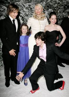 Anna popplewell and skandar keynes hookup