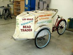 Vintage icecream bike. Check out the bells on the handle