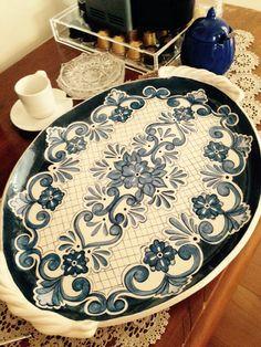 Trabalho em cerâmica de Karin Rauffus.