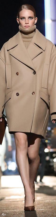 Michael Kors Fall, Michael Kors Collection, Ready To Wear, Fashion Show, Women Wear, Womens Fashion, How To Wear, Jackets, Neutral