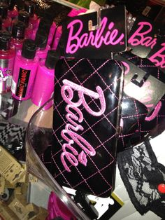 Gotta love the splash Barbie is making in hot topic stores Barbie Life, Barbie Dream, Barbie World, Boujee Aesthetic, Bad Girl Aesthetic, Cute Wallpaper Backgrounds, Cute Wallpapers, Estilo Coco Chanel, Gangster Girl