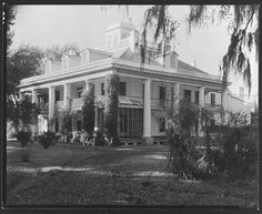 [Plantation House, Burnside, Louisiana] ~ 1935