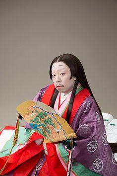"""11月25日にリリースされるレキシのシングル『SHIKIBU』の詳細が発表された。 レキシにとって初のシングルとなる同作には、平安時代の女流作家・紫式部をテーマにした新曲を収録。今回の発表では、同曲のタイトルが""""SHIKIBU feat. 阿波の踊り子(チャットモンチー)""""…"""