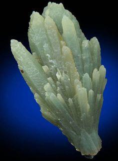 Quartz with green Actinolite-Crossite inclusions from Mega Xhorio, Seriphos Island, Greece