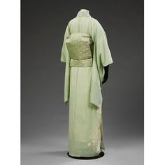 Made 1955 - 1958. Showa Era. Silk Weave This ensemble belonged to Bernice Eileen Boo (1930-2010). Brought up on a small farm in Iowa, she became a music teacher for the US Department of Defense. She taught at the Narimasu High School, Tokyo, Japan, from 1957-1959. This outfit consists of a summer kimono (hitoe), obi (sash), obi-pad (obimakura), under-sash, under-kimono (nagajuban), underwear (hadajuban and susuyoke), shoes (zori) and sock (tabi), together with a wrapping cloth (furoshiki).