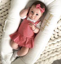 Du bist mein JESSIAH & nur mein .. Cute Baby Girl, Baby Love, Cute Babies, Baby Baby, Baby Girl Frocks, Baby Girl Dresses, Newborn Fashion, Baby Girl Fashion, Baby Clothes Patterns
