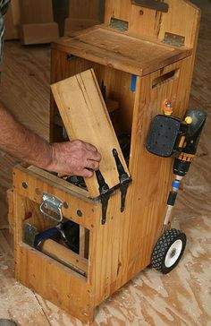 handy tool chest/ step stool Outubro 2012   Wood Second Chance