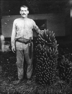 """Jornalero de Tazacorte, dedicado al plátano en los años ´30. Fotografía del libro """"La Segunda República en Canarias"""" (Aarón León Álvarez, Coord.)"""