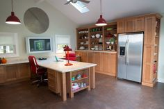 Dan & Sommer's Work-and-Play Family Home