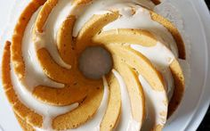 Lemon Bundt Cake [Vegan] – One Green PlanetOne Green Planet More from my siteLemon Blueberry Pie (Vegan) – Bianca Zapatka Vegan Bundt Cake Recipe, Vegan Lemon Cake, Cake Vegan, Lemon Bundt Cake, Bunt Cakes, Cupcake Cakes, Cupcakes, Salty Cake, Lemon Cheesecake