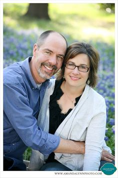 Fort Worth Couple Husband Wife Bluebonnet Spring Portraits 2014 Pose Idea | Amanda Lynn Photography | www.amandalynnphoto.com