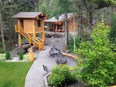 Many thanks to Timber Kings star Joel Roorda for sharing this image of his amazing backyard party space.
