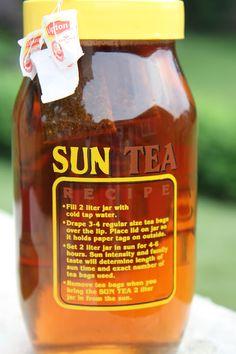 Eat Well, Live Happy: Sun Tea, love this pitcher too! Sun Tea Recipes, Sweet Tea Recipes, Summer Recipes, Drink Recipes, Refreshing Drinks, Summer Drinks, Smoothie Drinks, Smoothies, Starbucks