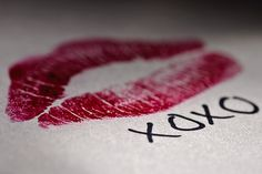 Shared by Find images and videos about red, kiss and lips on We Heart It - the app to get lost in what you love. Quoi Qu'il Arrive, Lizzie Hearts, Love Is, Jolie Photo, Romantic Love, Hopeless Romantic, Love Notes, Be My Valentine, Valentine Picture