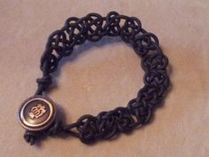 DIY Celtic knot bracelet tutorial. Easy and cool! Great for men.