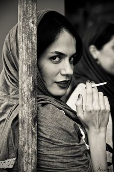 Black and White Photography of Women: How Take Beautiful Pictures – Black and White Photography Women Smoking, Girl Smoking, Black And White Portraits, Black And White Photography, Foto Nature, Persian People, Iranian Women, People Of The World, Woman Face
