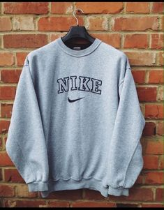 style pullover, nike, vintage pullover, b - Winter Outfits For Teen Girls, Cute Lazy Outfits, Teenage Outfits, Teen Fashion Outfits, Cute Casual Outfits, Retro Outfits, Fall Outfits, Vintage Outfits, Cute Nike Outfits