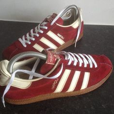 Adidas Napoli - extremely difficult to find in this condition Adidas Samba, Adidas Zx, Adidas Sneakers, Retro Sneakers, Classic Sneakers, Casual Sneakers, Sneakers Fashion, Casual Shoes, Tennis