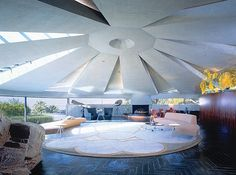 Elrod House, Palm Springs, CA. Architect John Lautner, From my home town! Been inside & it's amazing! Spring Architecture, Modern Architecture House, Amazing Architecture, Architecture Details, Interior Architecture, Dream House Exterior, Dream House Plans, John Lautner, Unusual Homes