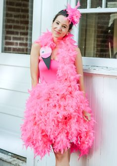 Looking for cute DIY Halloween costumes? In today's post, Steph shows how to make a cute DIY flamingo costume that works for both kids AND adults! Flamingo Halloween Costume, Stranger Things Halloween Costume, Pink Costume, Halloween Costumes For Teens, Tutu Costumes, Family Costumes, Costume Dress, Adult Costumes, Diy Halloween